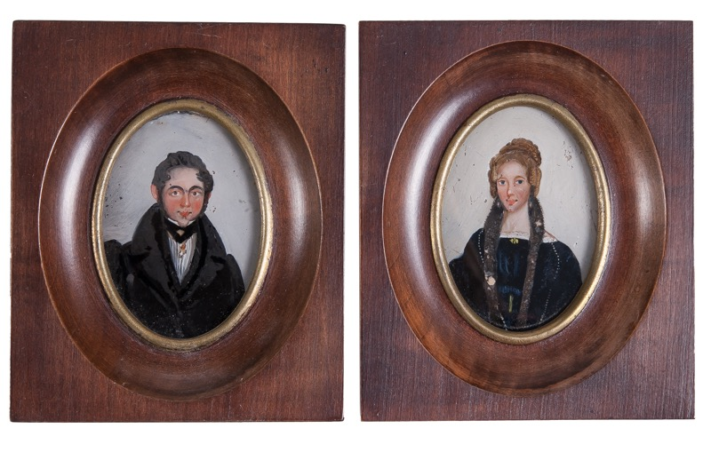 "A pair of miniatures with reverse glass paintings ""Portraits of Lady and Gentleman"", Italy c. 1840