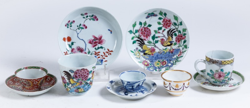 A set of five Chinese porcelain cups and saucers, 19th Century