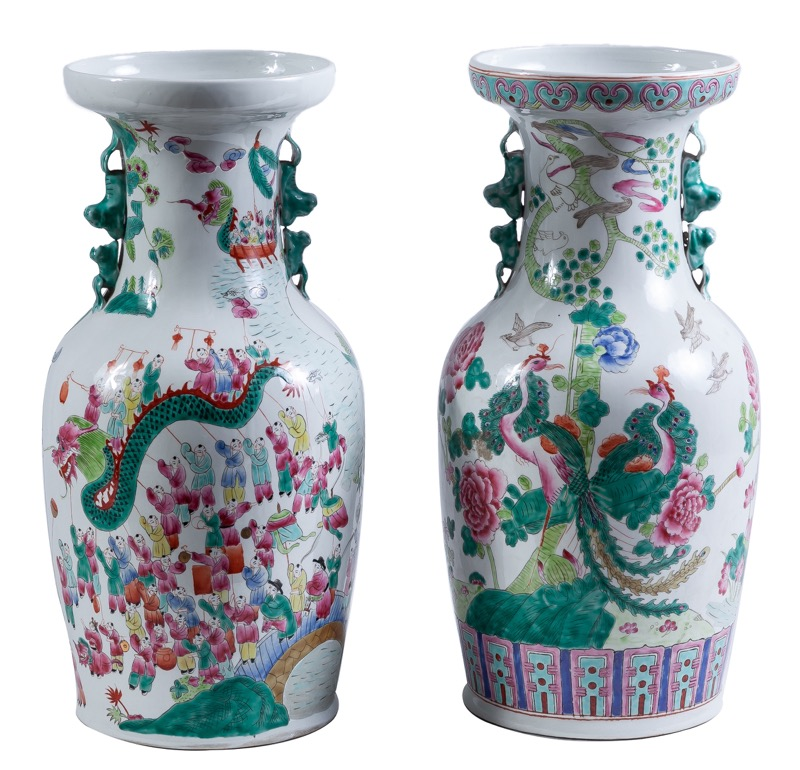 Two Chinese porcelain vases, 20th Century