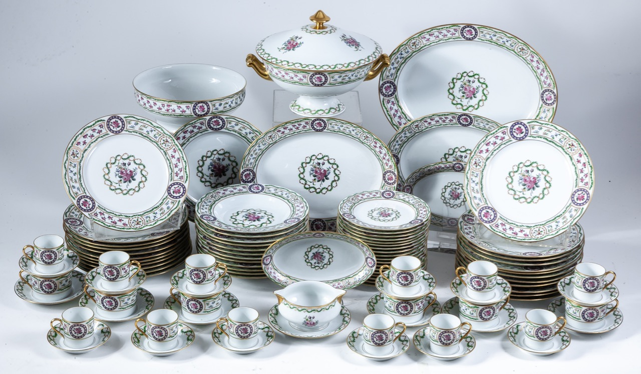 "A Limoges porcelain dinnerware of the model ""Louveciennes"" of Haviland for twelve
