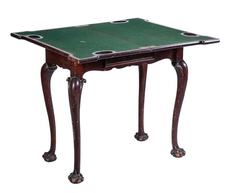 A rosewood games table following models of the 18th Century, Portugal 19th Century