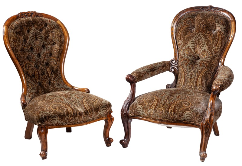 A pair of Victorian walnut chair and armchair, 19th Century