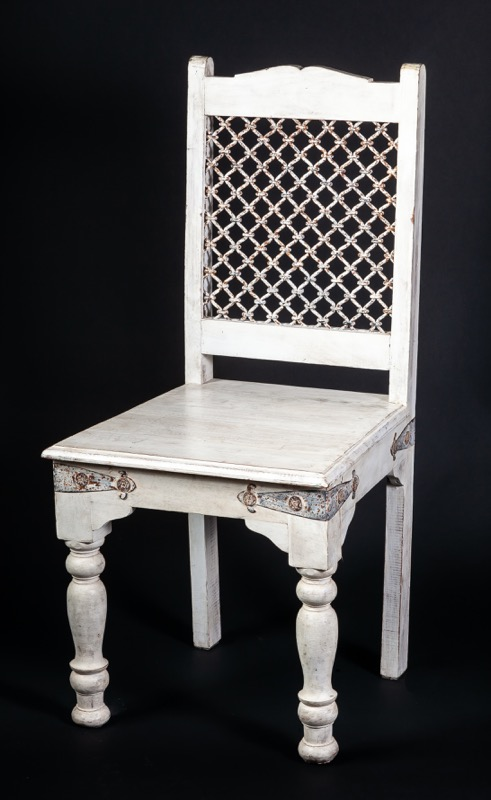 An Indian turned-leg white-painted chair